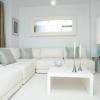 Білий інтер`єр - ідеальне рішення для невеликої квартири