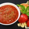 """Як правильно готувати """"неаполітанський"""" соус?"""