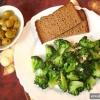 Як приготувати брокколі з часником?