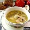 Як приготувати легкий курячий супчик з грибами?