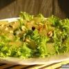 Як приготувати горіхову заправку для салату?