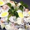 Як приготувати салат «чудо» з копченою куркою