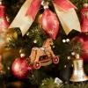 Як прикрасити новорічну ялинку (40 фото): незвичайне і традиційне оформлення