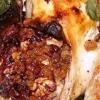 Як смачно приготувати запечену фаршировану курку?
