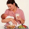 Які продукти мають бути в раціоні годуючої матері?