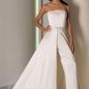 Чи може брючний костюм бути в якості весільного вбрання нареченої?