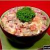 Салат з шинкою, грибами і помідорами?