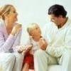 В якому віці діти починають прислухатися до батьків?