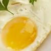 Смажені яйця: користь і шкода